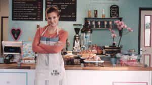negoziante-come-aumentare-clienti-negozi-hotel-ristoranti-locali-attività-commerciali-agriturismo-allevamenti